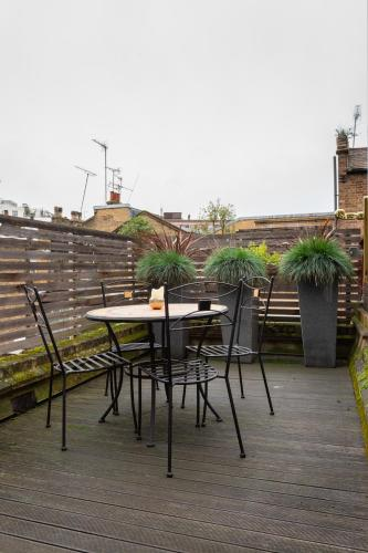 Donne Place By Onefinestay