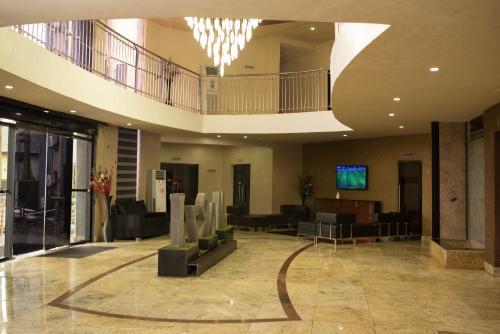 Morzi Hotel & Suites, Ikpoba-Okha