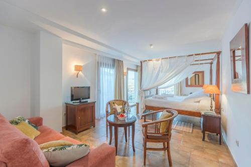 Deluxe Double or Twin Room with Sea View La Posada del Mar 17
