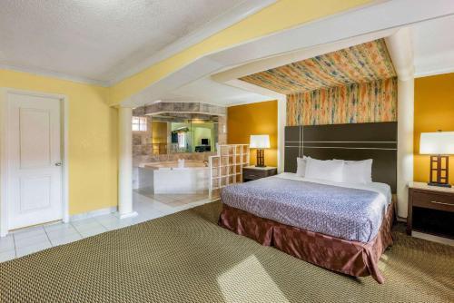 Econo Lodge Beach and Boardwalk - Atlantic City, NJ NJ 08401