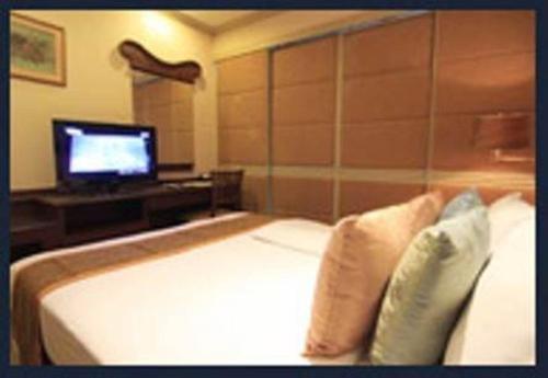 Majestic Suites Hotel photo 7