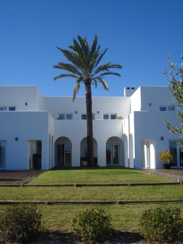 Sitio da Campina, CP 991C, Luz de Tavira, 8800-107 Tavira, Portugal.