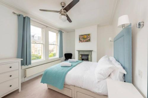 Spacious House - 2 Double Rooms - Street Parking - Garden