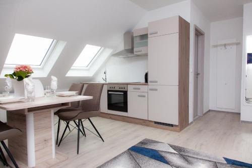 Luft Apartments nahe Messe Dusseldorf und Airport 3A
