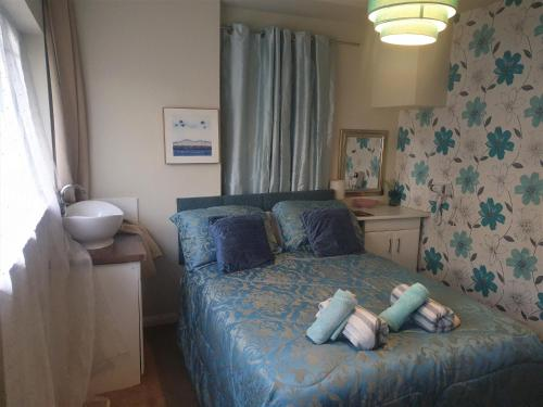 Self Contained Rooms In Central Torquay