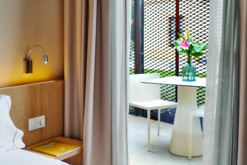 Habitación Doble con terraza (2 adultos) Hotel Arrey Alella 4