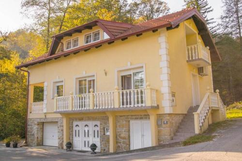 """Kuća za odmor """"VILLA MARIJA"""" - Hotel - Kostel"""
