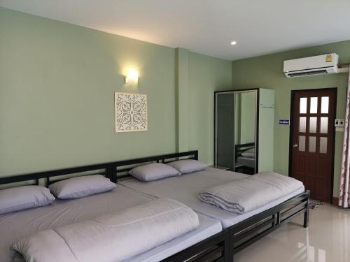 Huaisai Hotel, Nong Khae