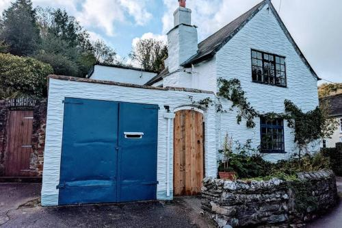 Truly Paradise Cottage, Newtown, Cornwall