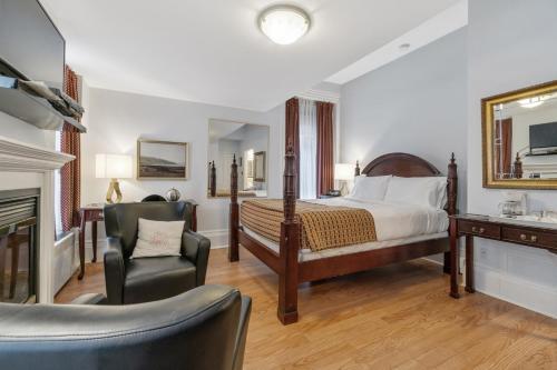 Hotel Manoir De La Tour - Photo 7 of 104