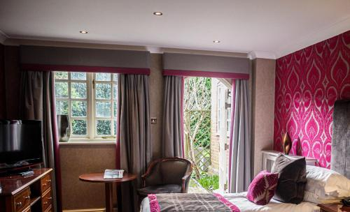 Langshott Manor - Luxury Hotel Gatwick