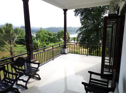 Lake Villa
