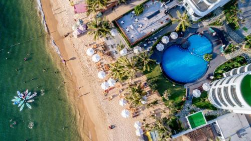 . Sunset Beach Resort and Spa