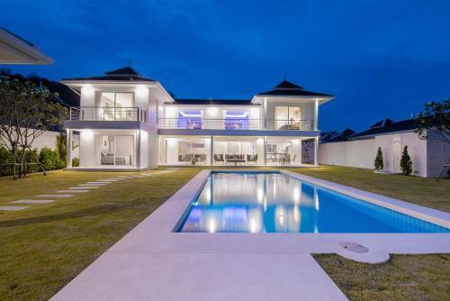 Prestigious Pool Villa by Falcon Hill (FH206) Prestigious Pool Villa by Falcon Hill (FH206)