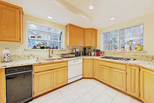 New Listing! Montgomery Estates Ski & Beach Haven home Main image 2