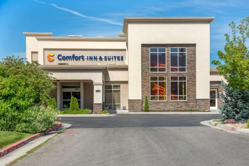 Comfort Inn & Suites Logan Near University - Hotel - Logan