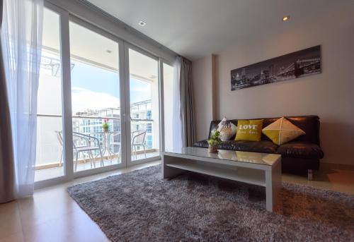 Centara Avenue Residence and Suite Centara Avenue Residence and Suite