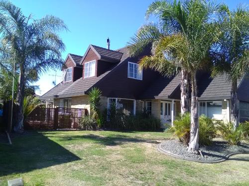 Royal Palms Papamoa Bed & Breakfast