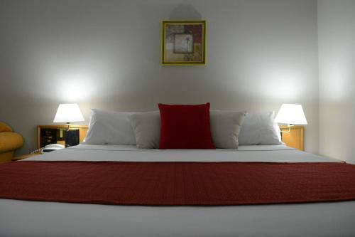 . Club Inn Motel