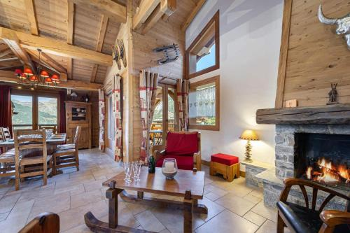 Chalet of 160sqm at about 300m from the slopes Courchevel 1850