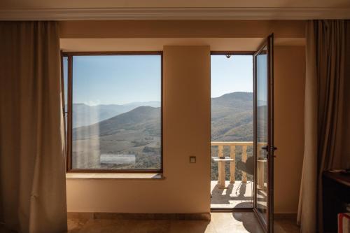 Lastiver Resort - Photo 2 of 32