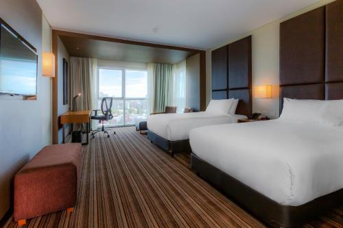 One-Bedroom Twin Suite