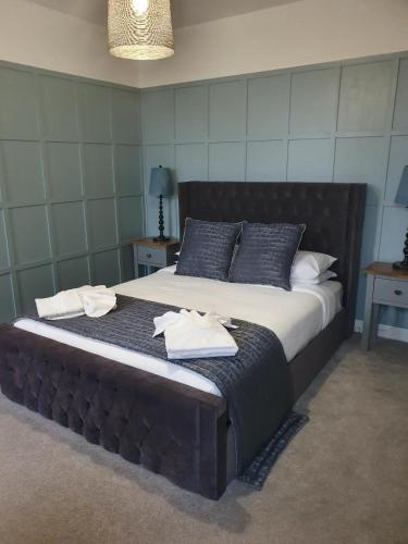 . Rooms at The Dressers Arms