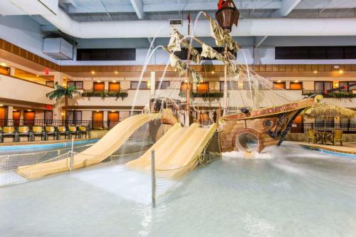 Ramada by Wyndham Sioux Falls Airport Hotel & Suites