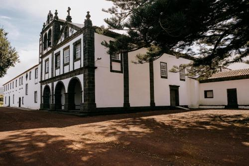 . Azores Youth Hostels - Pico