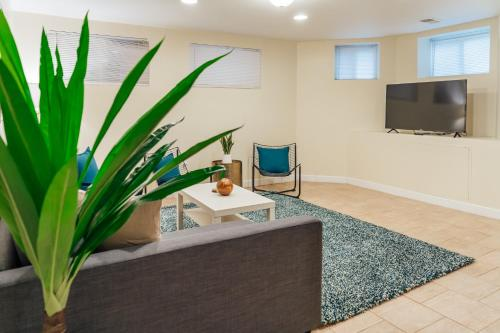 Lowest Rates! Spacious Duplex with Free Parking! Main image 1