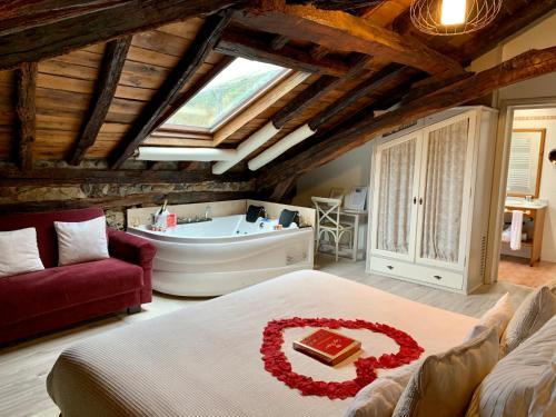 Suite con bañera de hidromasaje Palacio Torre de Ruesga 6