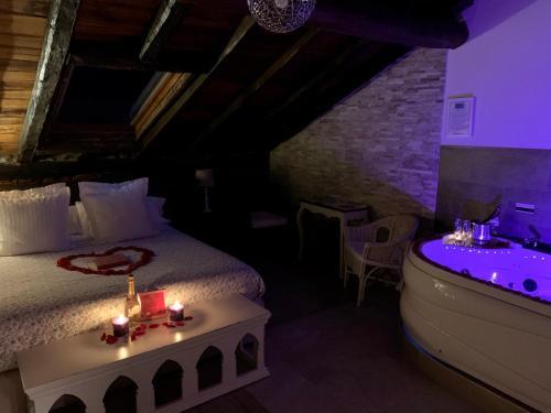 Suite con bañera de hidromasaje Palacio Torre de Ruesga 7