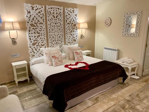 Suite Deluxe con bañera de hidromasaje Palacio Torre de Ruesga 2