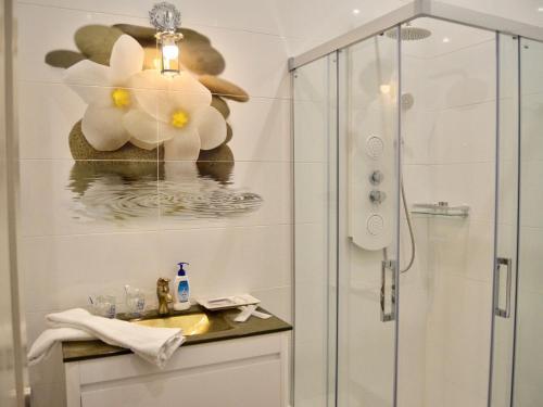 Suite Deluxe con bañera de hidromasaje Palacio Torre de Ruesga 6