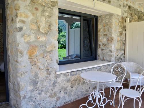 Suite Deluxe con bañera de hidromasaje Palacio Torre de Ruesga 7
