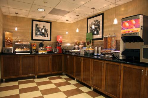 Hampton Inn Richmond/Ashland photo 18