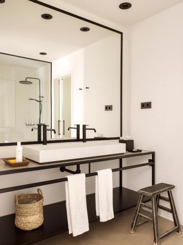 Suite con piscina privada Mas de Torrent Hotel & Spa 4