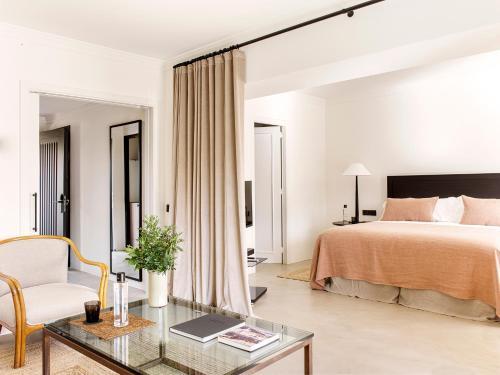 Suite con piscina privada Mas de Torrent Hotel & Spa 1