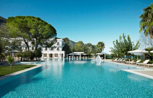 wellness retreats in greece