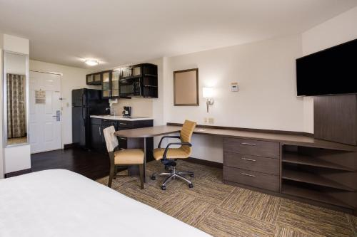 Candlewood Suites Fort Lauderdale Airport-Cruise, an IHG Hotel - image 6