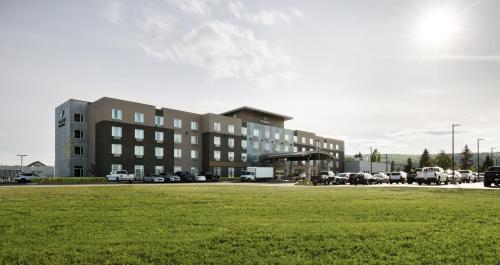 Pomeroy Inn & Suites Prince George