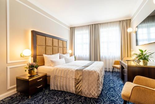 . Hotel Suitess