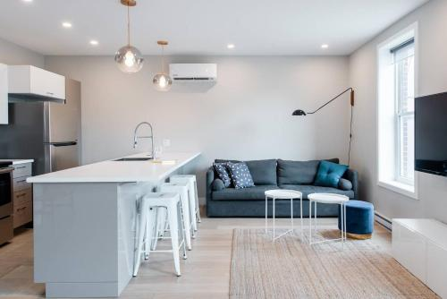 . 2-Bedroom Apartment in the Heart of Little Italy by Den Stays