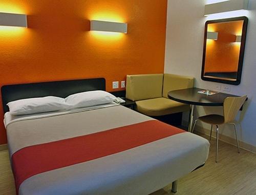 Motel 6 Manteca - Manteca, CA 95336