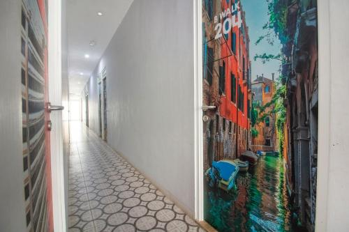 A Hotel Com Oyo 3283 Bwalk Hotel Hotel Malang Indonesia Price Reviews Booking Contact