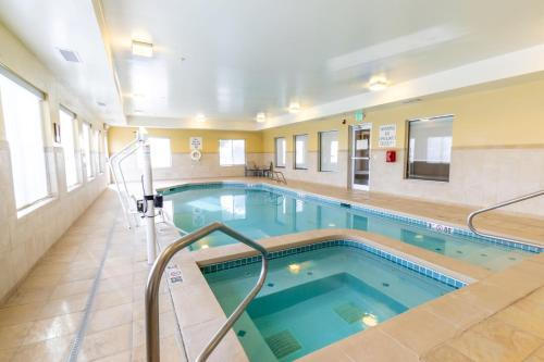 Holiday Inn Express Hotel & Suites Limon I-70/Exit 359 - Limon, CO CO 80828