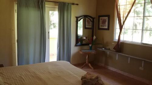 Room Royale, Big Creek, Bocas ..