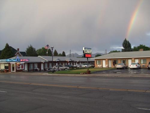 . Blue Pine Motel