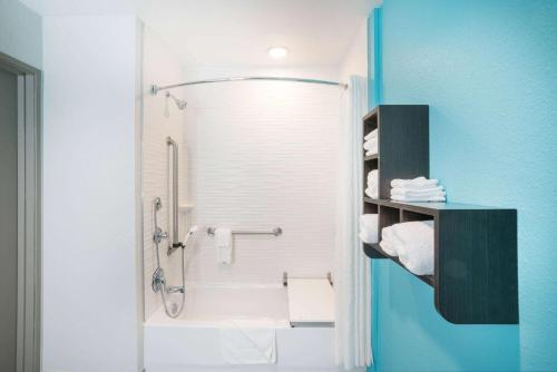 La Quinta Inn & Suites By Wyndham Montgomery