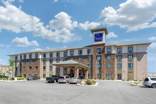 . Sleep Inn & Suites Middletown - Goshen